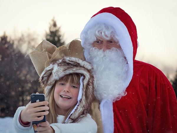 Chi non ha scritto almeno una volta una letterina a Babbo Natale? Ma siamo sicuri che l'indirizzo fosse quello giusto?