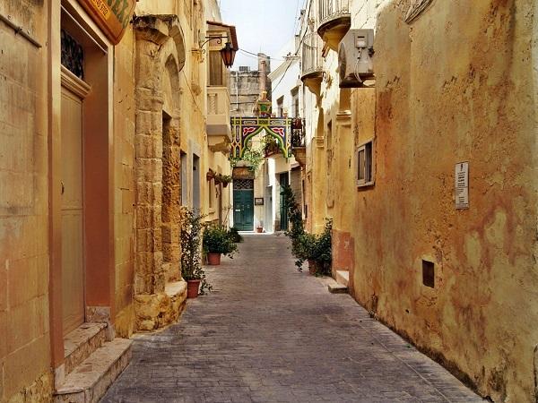 Pensavo che Malta si limitasse a fare l'isola con la maggiore densità di popolazione d'Europa, invece ho scoperto che è la capostipite di un piccolo arcipelago.