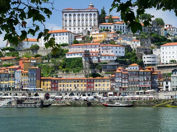 Un altro punto fermo di un tour del Portogallo è Porto