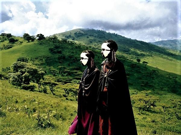 """In viaggio in Tanzania si possono incontrare i giovani masai che stanno attraversando il periodo di iniziazione per diventare """"moran"""", guerrieri."""