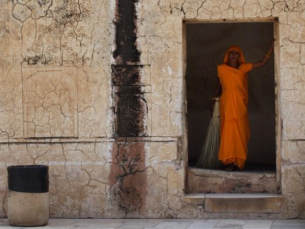 Come bisogna vestirsi per entrare nei luoghi di culto in India? Ci sono regole da seguire per scattare fotografie senza infastidire nessuno?