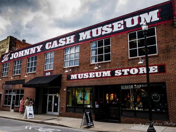 Il nostro viaggio lungo la strada del blues si ferma al Jonnhy Cash Museum di Nashville.