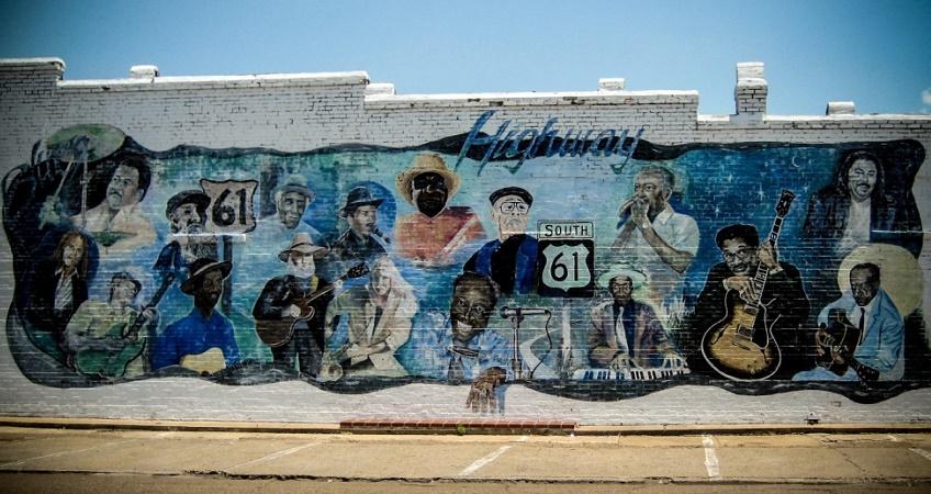 Poco distante dal tracciato della Highway 61. Leland ospita un festival di murales a tema blues.