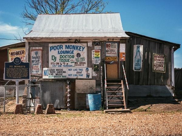 """Per rivivere il passato della Highway 61 programmate un giovedì all'ultimo dei juke joint il """"Po' Monkey's Lounge""""."""