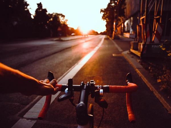 Tra i pionieri del giro del mondo c'è chi è partito in bicicletta.
