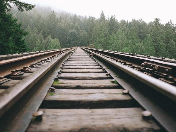 Giro del mondo in treno? Si possono scegliere le tratte famose, ma non si può rinunciare del tutto all'aereo,