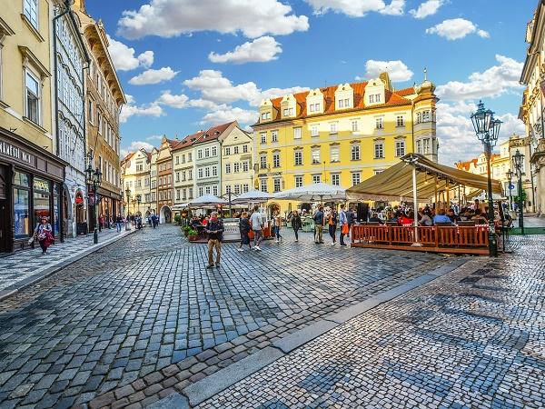 Durante il vostro girovagare per Praga, prima o poi capiterete in piazza San Venceslao.