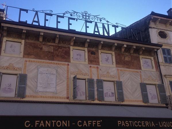 Degna conclusione della visita di Verona e i suoi dintorni, una merenda nello storico Caffè Fantoni di VIllafranca.