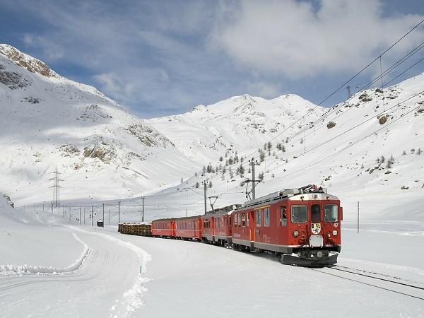Un Capodanno breve ma inteso tra sapori tipici Valtellinesi ed escursioni con il Bernina Express.