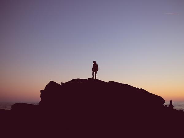 """""""Indian Creek. Un inverno da solo sulle montagne rocciose"""" è un viaggio di formazione alla """"Into the wild""""."""