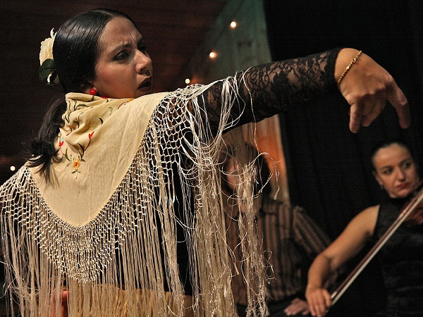 La sera di San Valentino assistete a un tipico spettacolo di flamenco al Palacio Anzaluz di Siviglia.