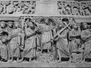 La cripta della Chiesa di San Giovanni in Valle contiene due meravigliosi sarcofagi del III e IV secolo.