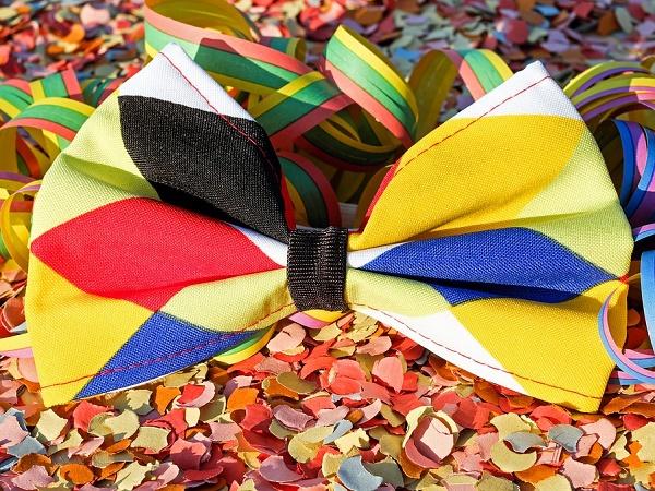 La tradizione cattolica festeggia il carnevale a febbraio, ma esistono feste in maschera in giro per il mondo che si svolgono in altri mesi. Carnevaliamo?