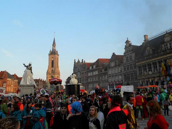 Tournai è una cittadina Belga a non più di 100 km dal confine francese. Qui il carnevale si svolge dal 9 all'11 marzo.