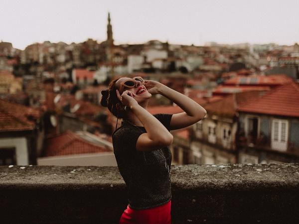 Quello che ti resta impresso è soprattutto la leggerezza che hanno portato le risate e il piacere che si prova nel vedere la gioia nel sorriso di chi ti sta di fronte.