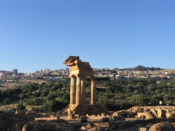 Saltare la Valle dei templi di Agrigento dicono sia l'eresia del XXI secolo.