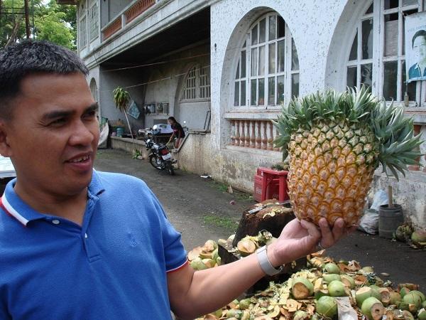 Da provare assolutamente il cocco fresco, ma vanno assaggiati anche il mango, l'ananas e, soprattutto, le banane.