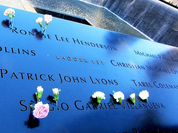 I lavori di costruzione del Memorial 9/11 di Ground Zero erano ancora in corso. Qui ho provato un tipo di brivido che a parole non so raccontare.