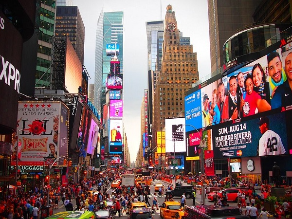"""Il primo giorno a New York non poteva mancare anche una visita a Time Square, l'""""incrocio del mondo""""."""