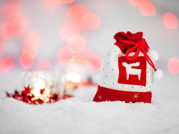 Come si augura Buon Natale ai viaggiatori? Altrimenti detto: che cosa si può regalare a un viaggiatore per Natale?