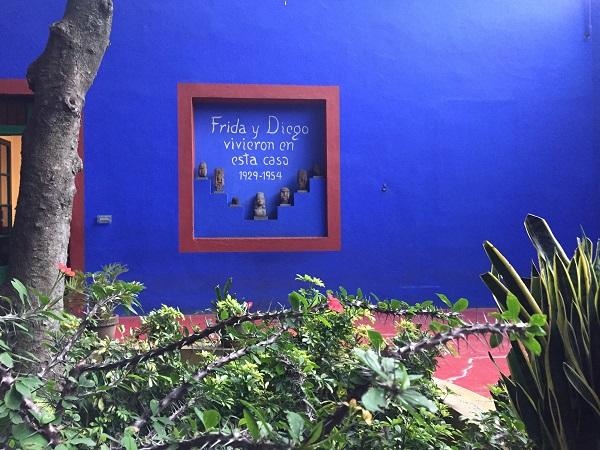 Non si può non associare Città del Messico a Frida Kahlo, artista simbolo dello Stato messicano e della sua capitale.