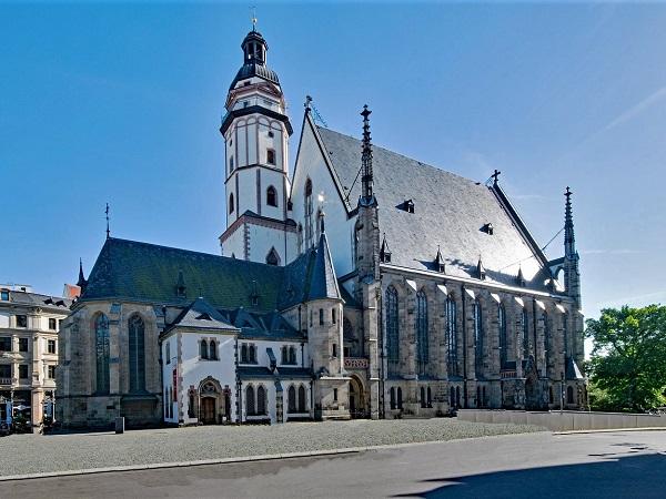Lipsia è ricolma di storia ed è la città della musica. La Thomaskirche offre un programma musicale ricchissimo.