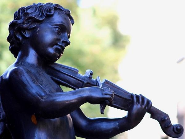 Ma Lipsia è anche la città della musica, la città di Bach, Wagner e Mendelssohn.