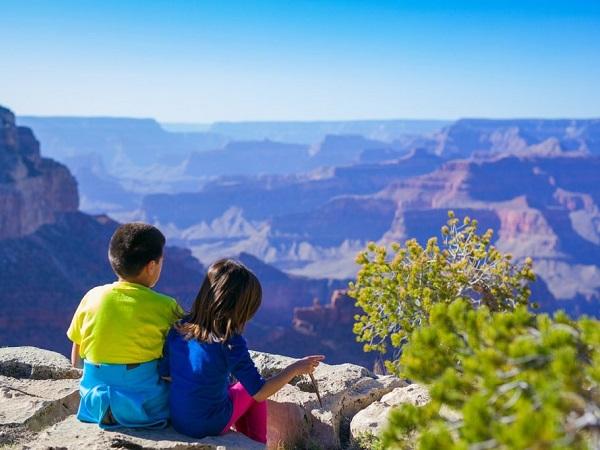 """Chissà quante volte avrai consigliato a chi ha figli di portarli in giro per il mondo dicendo """"viaggiare fa bene"""" o """"viaggiare apre la mente"""". Ma fino a che punto questi due concetti sono veri?"""