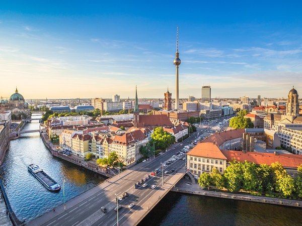 Mai state a Berlino! Non c'è un motivo preciso, ogni volta che sceglievano una meta di viaggio, anche solo per un weekend, Berlino non si è mai trovata nelle loro liste.