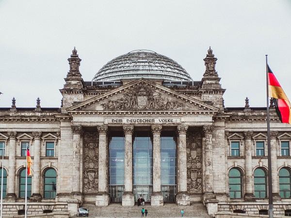 Fare una passeggiata sulla cupola del Reichstag (il palazzo sede del Parlamento tedesco) è un po' come farsi un giro in collina?