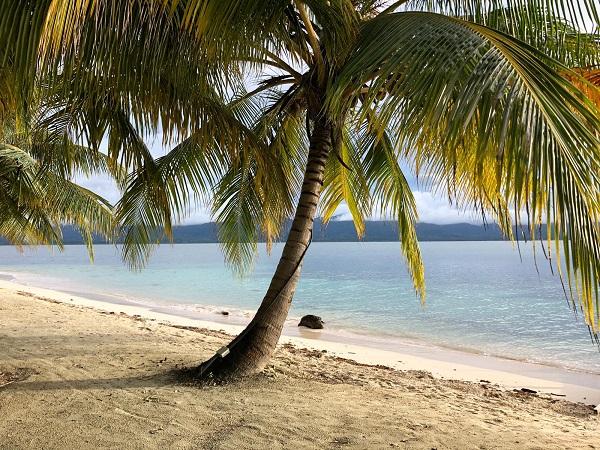 Narasgandub Dummad è un vero paradiso. Si fa il giro dell'isola in ben venti minuti.