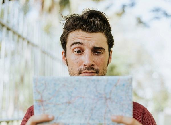 Per alcuni il viaggio è sinonimo di libertà: scegliere dove andare, quando andarci e per quanto fermarsi. Per altri, invece, la libertà di scelta è solo una fatica da delegare: ecco a che serve la guida!