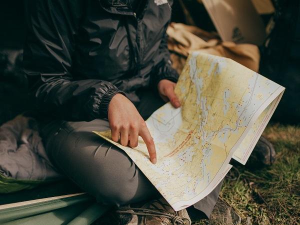 La guida può rendere accessibile e sicuro un luogo difficilmente espugnabile solo con le tue forze. E magari ti salva da qualche scivolone.