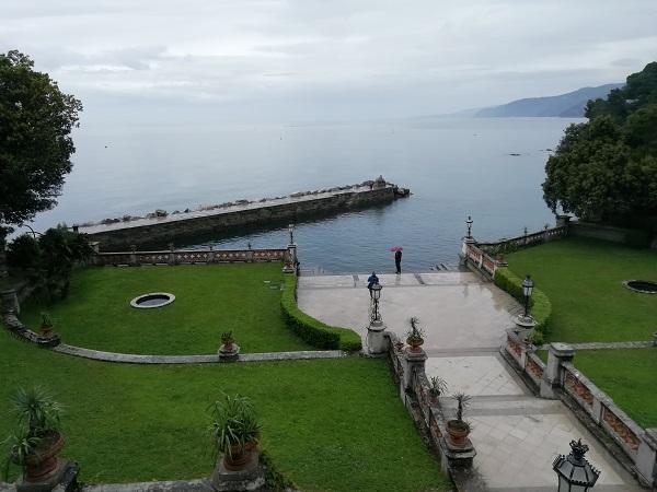 Esistono una Trieste per pedoni e una Trieste per automobilisti. Visitare il castello di Miramare fa parte della seconda.
