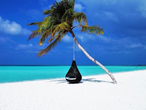 Maldive: sole, caldo (siamo a novembre), mare, libertà, relax assoluto e soprattutto un orizzonte infinito nel quale perdere ogni pensiero e preoccupazione.