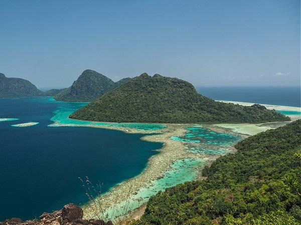 Il clima è caldo, ma tra aprile e settembre è asciutto e per nulla fastidioso, facendo del Borneo il posto ideale da visitare durante i nostri mesi estivi.