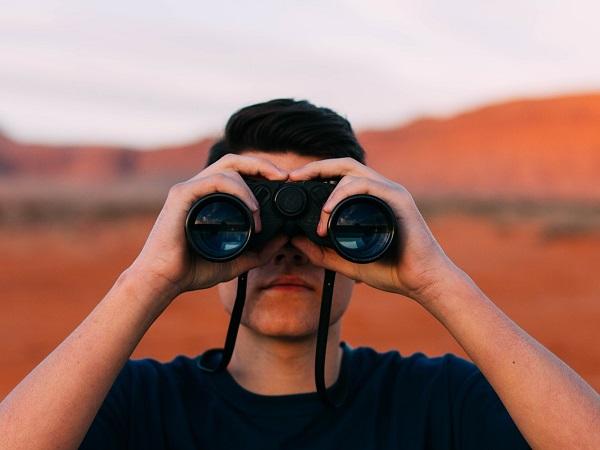 Serve adottare qualche cautela per interpretare le recensioni di viaggio degli utenti. Leggendo una recensione dovremmo riuscire a capire a quale periodo fa riferimento e che tipo di viaggio l'ospite stava effettuando, riuscire a ricavare un'impressione complessiva della struttura e dei suoi servizi e un'indicazione dei punti di forza e delle criticità.