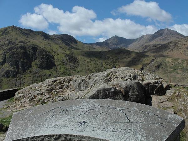 Lo Snowdonia National Park è fatto di montagne oscure e rocciose e foreste che evocano fiabe e leggende.