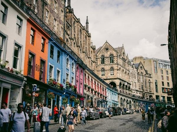 Abbiamo visitato Edimburgo liberamente, senza schemi e senza regole, camminando e godendoci ogni angolo, ciascuna seguendo il proprio interesse.