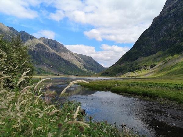 L'ultima tappa del viaggio è stata la valle di Glencoe. Le mille sfumature di verde ci hanno imposto una sosta per scattare qualche foto.
