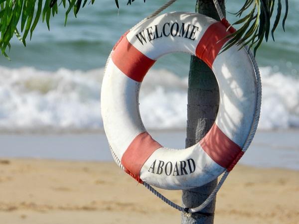 La questione dell'incertezza diventa più personale. Non esiste una risposta definitiva e valida per tutti. Può aiutare il ricorso a un'assicurazione di viaggio che copra annullamento e spese mediche.