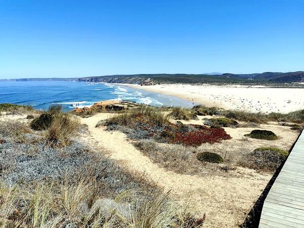 All'estero in periodo Covid? Io ho deciso di provarci, con una toccata e fuga in Portogallo. Le coste dell'Algarve ripagano il viaggio con la mascherina.