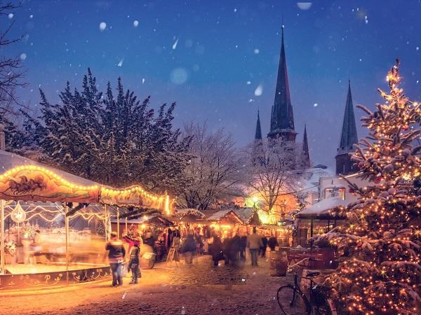 I mercatini di Natale si faranno nel 2020? Sappiamo bene che il fatto che si svolgano principalmente all'aperto non è sufficiente per avere garanzia di una risposta positiva.