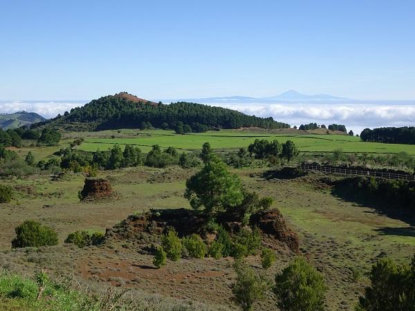 El Hierro è l'isola più estrema delle Canarie. Terra spagnola se si guarda alla geopolitica, ha un volto africano se si guarda alla sua morfologia e al suo clima.