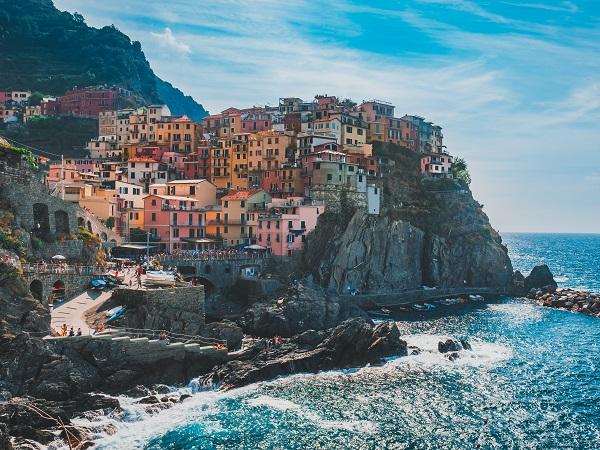 Una volta la scelta tra mare e montagna dipendeva da convinzioni di benessere e gusto personale.