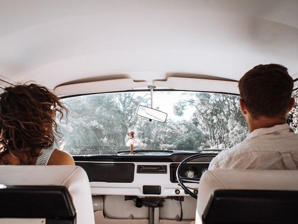 Indipendenti e all'aperto sembrano essere gli elementi chiave per organizzare le vacanze sicure 2021. E i viaggi on the road offrono la soluzione ideale.