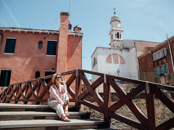 """Incluso nel pacchetto """"1600 Emozioni di Venezia"""" anche un tour con guida di un paio d'ore."""