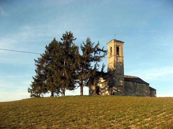 Prima di lasciare Sale San Giovanni, vi consigliamo di fare un giretto nel piccolo borgo e di andare a vedere la pieve di San Giovanni.