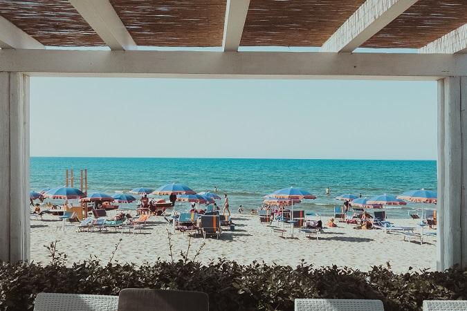 La Cinta è la spiaggia di San Teodoro, un arco di sabbia bianca lungo 5 chilometri, fornito di tutti i servizi per godersi lunghe giornate di mare.