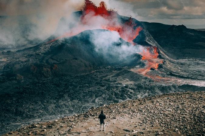 L'eruzione del vulcano in Islanda si può raggiungere in autonomia oppure sfruttando l'organizzazione dei tour operator locali.